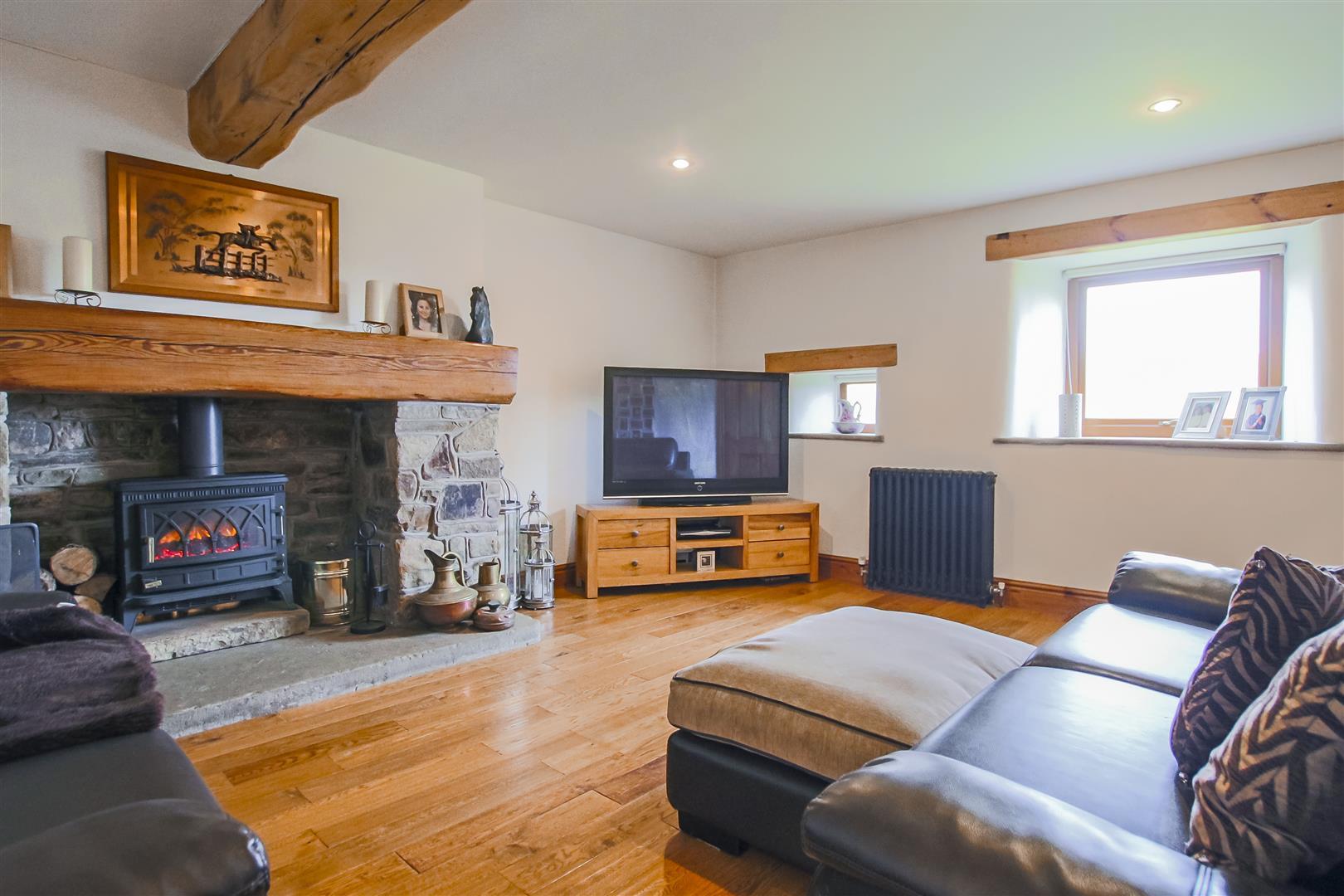 4 Bedroom Semi-detached House For Sale - Image 44